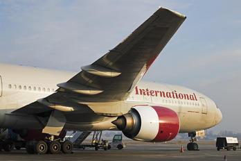 N846AX - Omni Air International Boeing 777-200