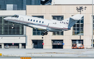 LY-LTA - Charter Jets Hawker Beechcraft 800XP