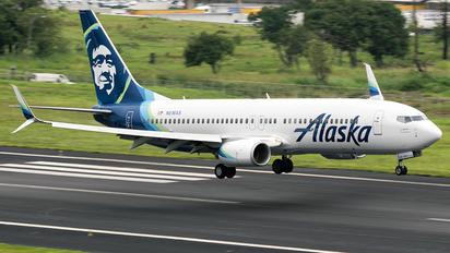N516AS - Alaska Airlines Boeing 737-800