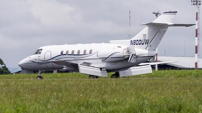 N800UW - Private Raytheon Hawker 800XP