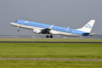 PH-EZW - KLM Cityhopper Embraer ERJ-190 (190-100)