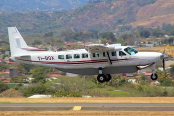 TI-BGX - Private Cessna 208 Caravan