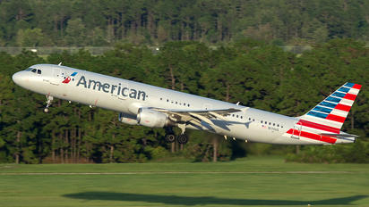 N170US - American Airlines Airbus A321