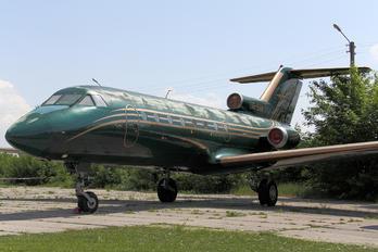 UR-SAN - Aerostar Yakovlev Yak-40