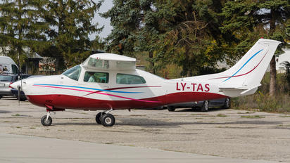 LY-TAS - Private Cessna 210 Centurion