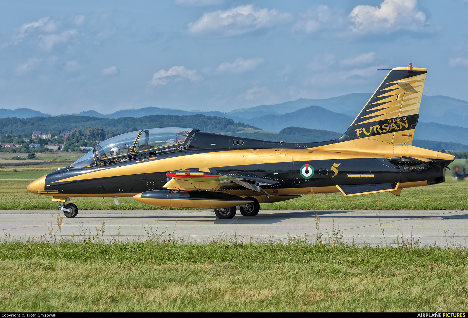 "United Arab Emirates - Air Force ""Al Fursan"" 434 aircraft at Sliač"