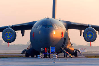 CB-8004 - India - Air Force Boeing C-17A Globemaster III