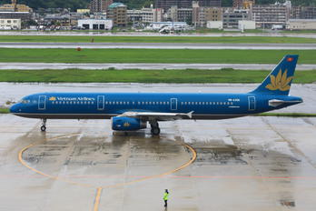 VN-A366 - Vietnam Airlines Airbus A321