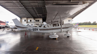 TI-BBW - Private Cessna 206 Stationair (all models)