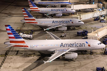 N662AW - American Airlines Airbus A320