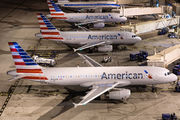 N662AW - American Airlines Airbus A320 aircraft