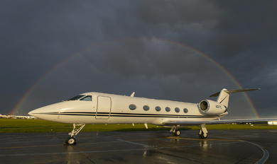 N327TL - Private Gulfstream Aerospace G-IV,  G-IV-SP, G-IV-X, G300, G350, G400, G450