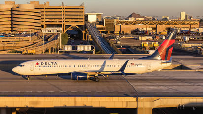 N852DN - Delta Air Lines Boeing 737-900ER