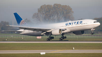 N797UA - United Airlines Boeing 777-200ER