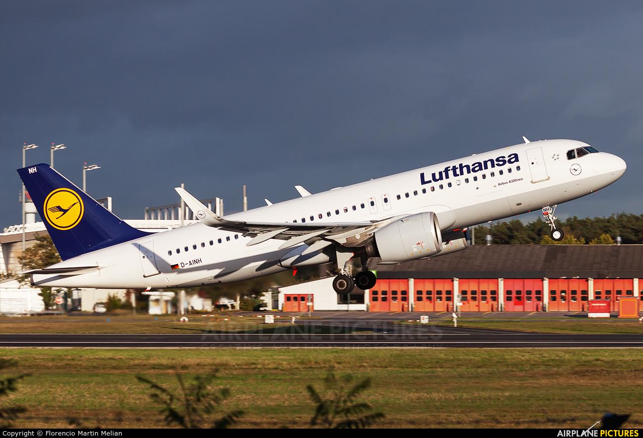 Lufthansa D-AINH aircraft at Frankfurt