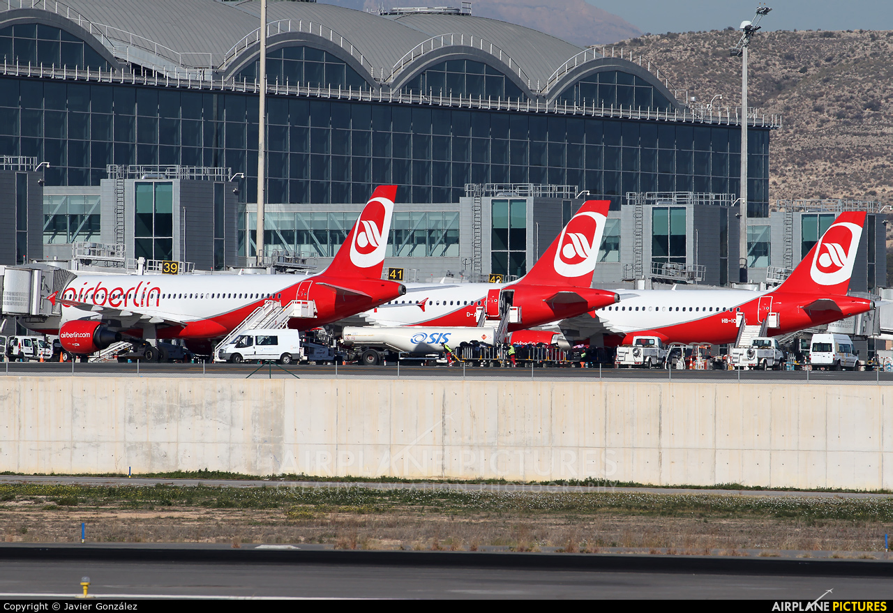 Air Berlin - aircraft at Alicante - El Altet