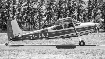 TI-AAJ - Private Cessna 180 Skywagon (all models)