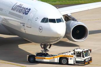 D-AIKJ - Lufthansa Airbus A330-300