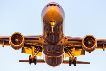N728AN - American Airlines Boeing 777-300ER
