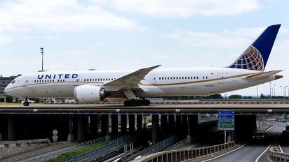 N35953 - United Airlines Boeing 787-9 Dreamliner