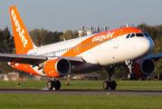 G-EZPW - easyJet Airbus A320 aircraft