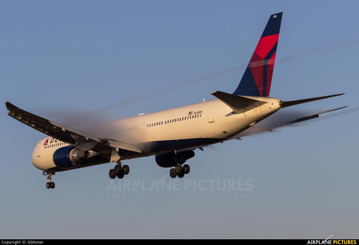 Delta Air Lines N828MH aircraft at Frankfurt