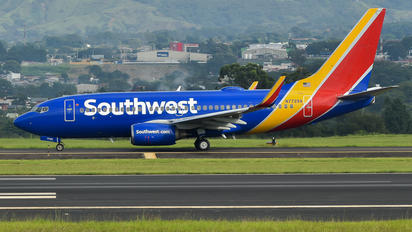 N7729A - Southwest Airlines Boeing 737-700