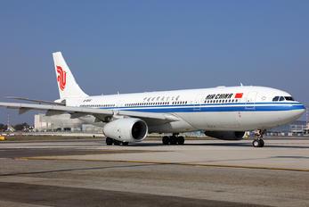 B-5932 - Air China Airbus A330-200