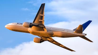 N229UA - United Airlines Boeing 777-200ER