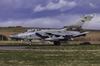 ZA562 - Royal Air Force Panavia Tornado GR.4 / 4A
