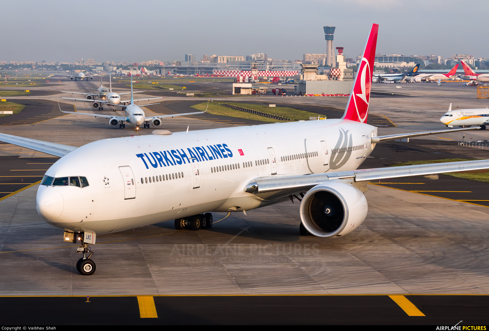 Turkish Airlines TC-LKC aircraft at Mumbai - Chhatrapati Shivaji Intl