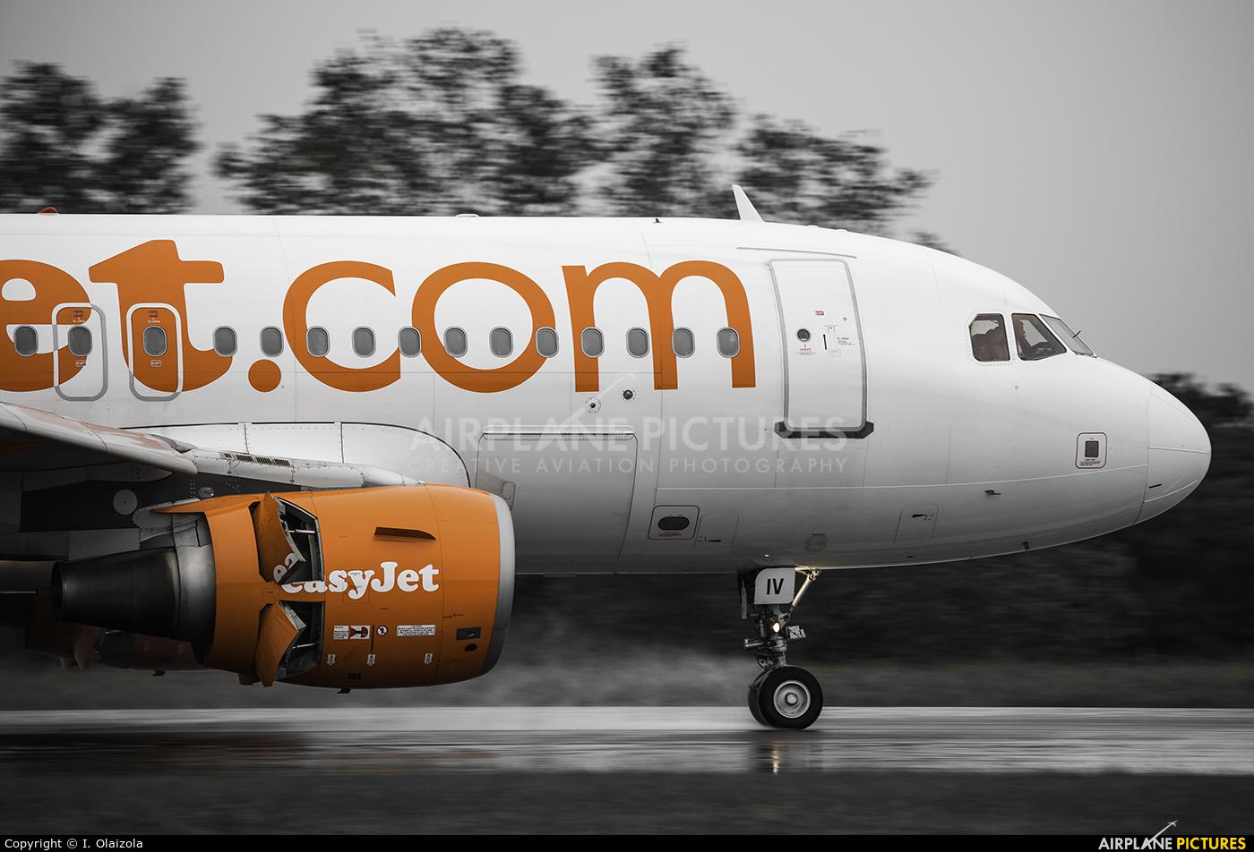 easyJet G-EZIV aircraft at Biarritz