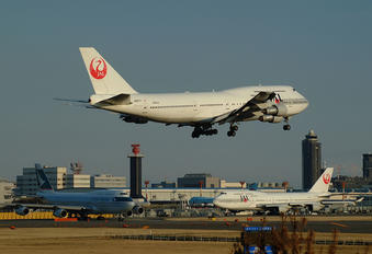 JA8177 - JAL - Japan Airlines Boeing 747-300