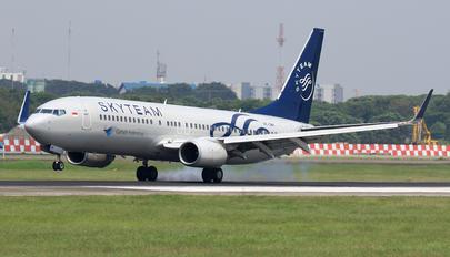 PK-GMH - Garuda Indonesia Boeing 737-800