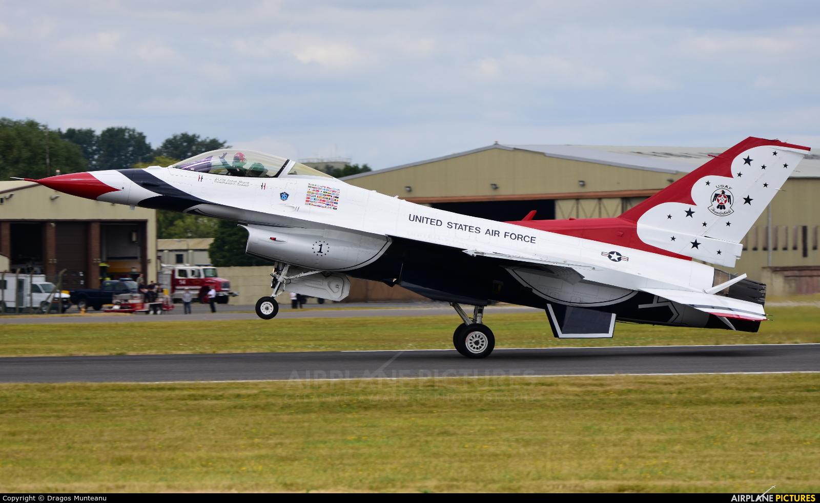 USA - Air Force : Thunderbirds 1 aircraft at Fairford