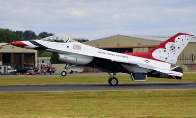1 - USA - Air Force : Thunderbirds General Dynamics F-16A Fighting Falcon