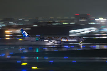 JA789A - ANA - All Nippon Airways Boeing 777-300ER