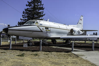 61-0664 - USA - Air Force North American T-39A Sabreliner