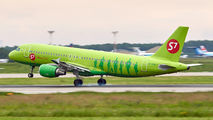 VQ-BOA - S7 Airlines Airbus A320 aircraft
