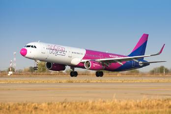 HA-LXA - Wizz Air Airbus A321