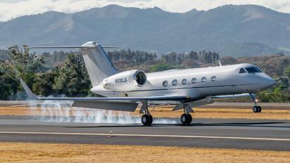 N930LS - Private Gulfstream Aerospace G-V, G-V-SP, G500, G550