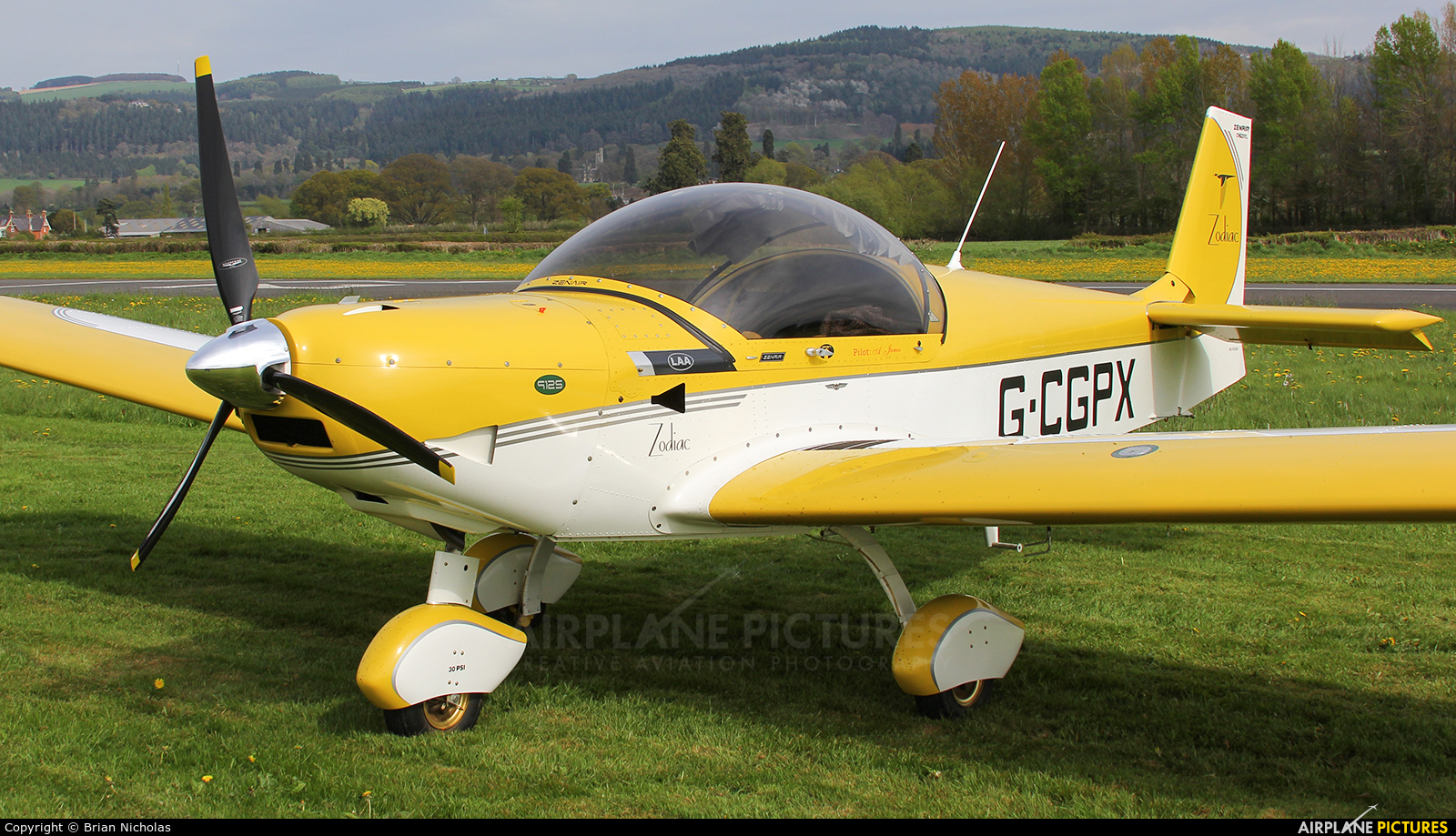 Private G-CGPX aircraft at Welshpool