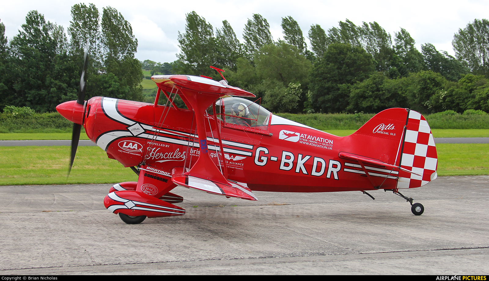 Private G-BKDR aircraft at Welshpool