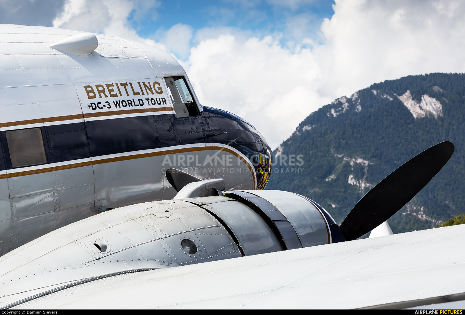 Super Constellation Flyers HB-IRJ aircraft at Sion