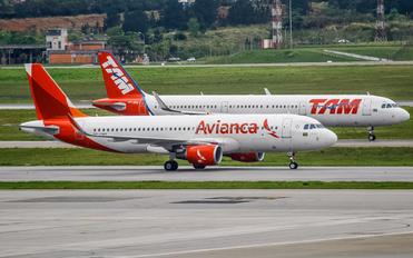 PR-ONY - Avianca Brasil Airbus A320