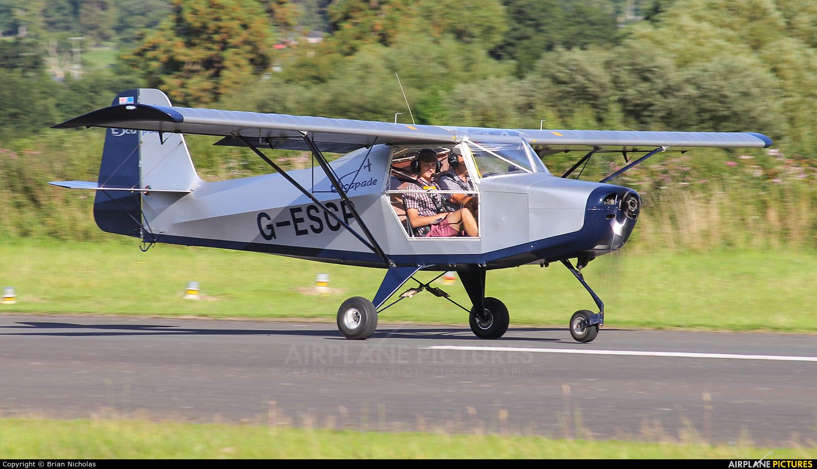 Private G-ESCP aircraft at Welshpool