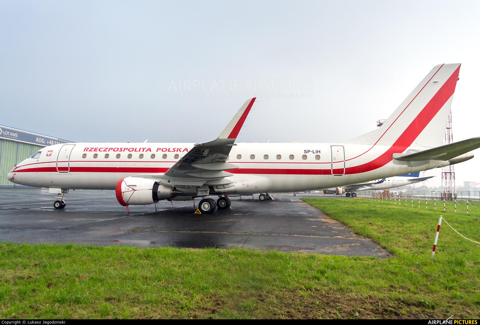 Poland - Government SP-LIH aircraft at Warsaw - Frederic Chopin