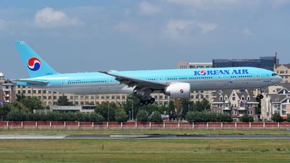 HL8007 - Korean Air Boeing 777-300ER