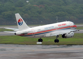 B-6427 - China Eastern Airlines Airbus A319