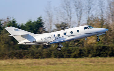 F-GIPH - Private Dassault Falcon 100